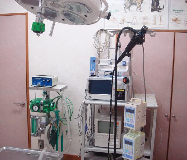手術モニター、電気メス、麻酔器、人工呼吸装置、内視鏡